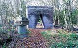 'De Jongensbroek', de uit losse stoeptegels opgetrokken Hemelpoort Porta Celi.