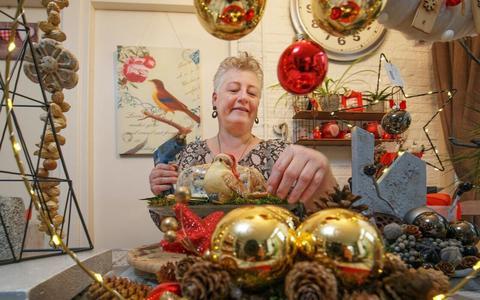 Christina Fennema maakt elk jaar vogeltaarten, voor in de tuin.