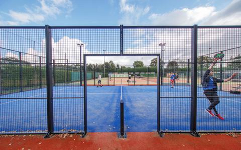 06-10-2021 Oosterwolde: padelbaan tennisclub TCO. Fotograaf: Rens Hooyenga